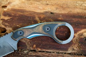 The multi color handle scales were hand shaped by Leo Espinoza himself